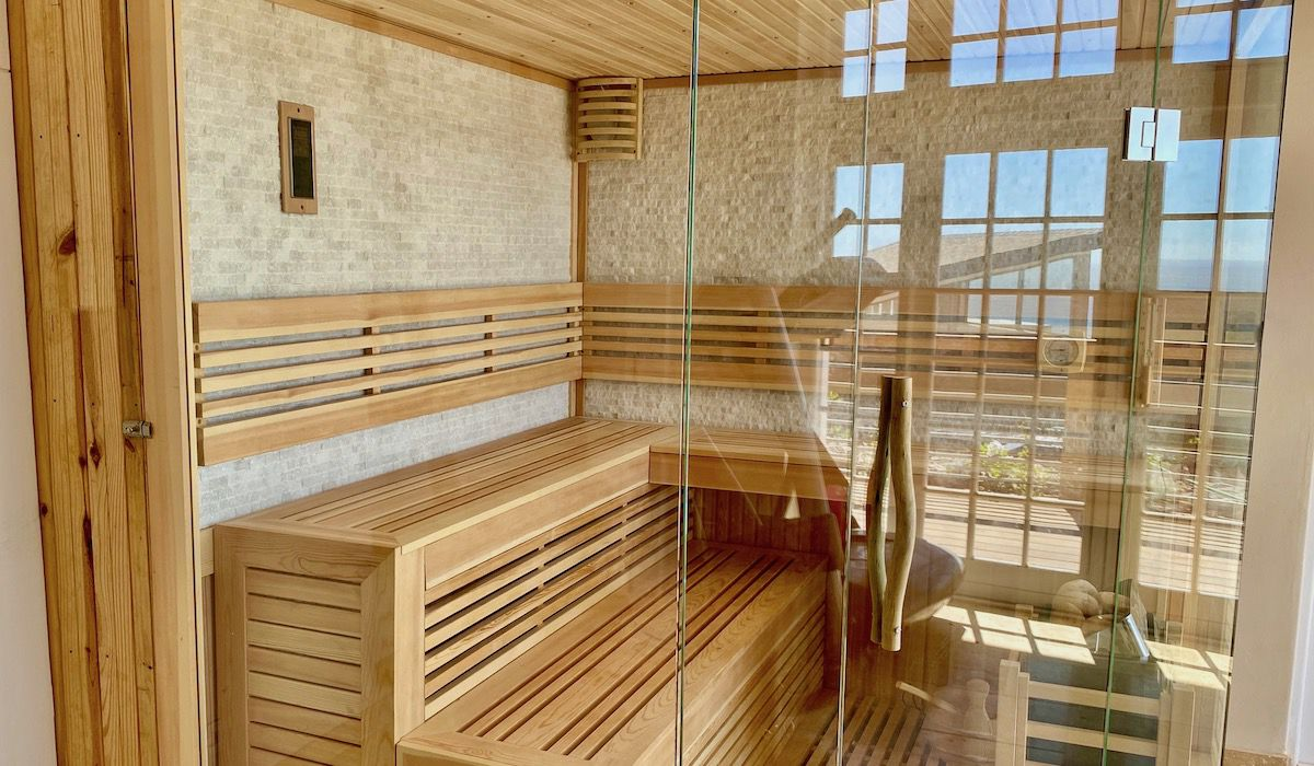 la Baia SPA with sauna and gym luxurious rental in Camps Bay Cape Town